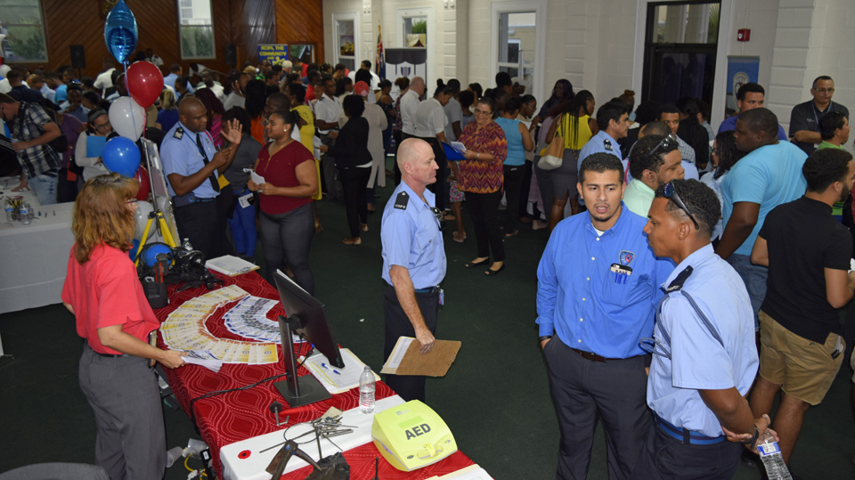 The event welcomed hundreds of job seekers.